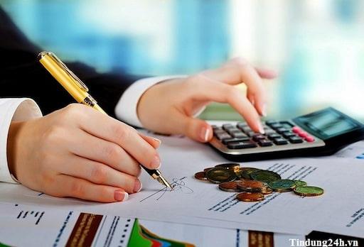 Có nên vay tiền theo hợp đồng trả góp không?